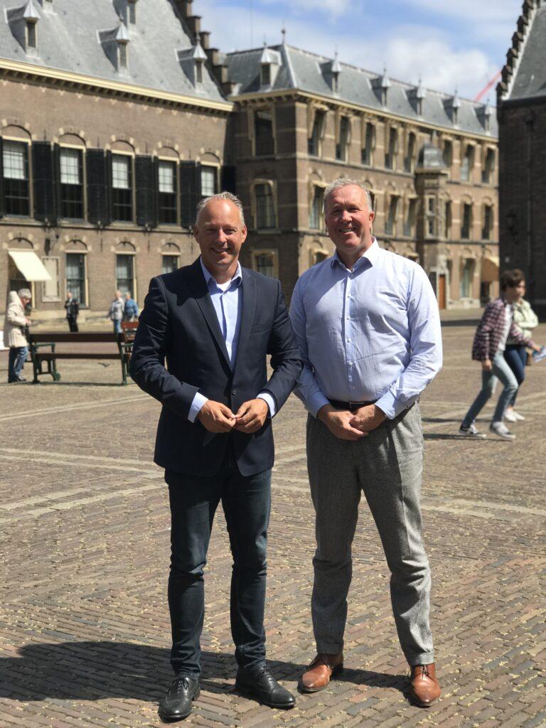 Remco Dijkstra (VVD) en Patrice Assendelft (KNMV)